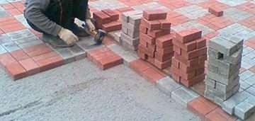 Як покласти бруківку на бетон
