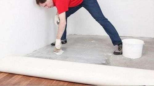 Як правильно укладати лінолеум на бетонну підлогу