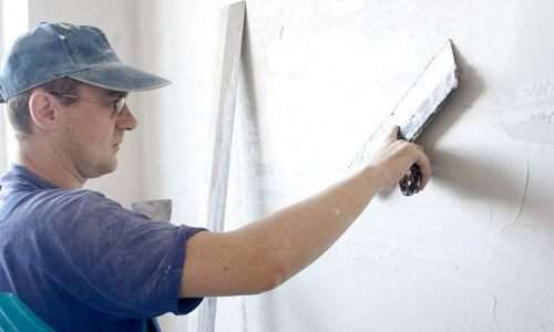 Як шпаклювати стіни новачкові