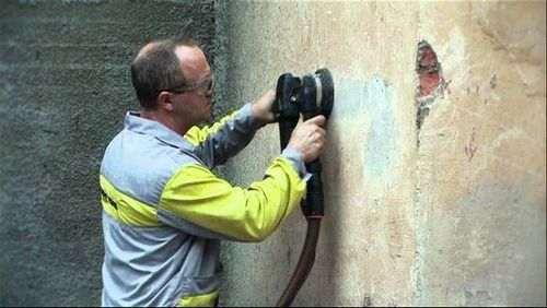 Як швидко прибрати штукатурку зі стін