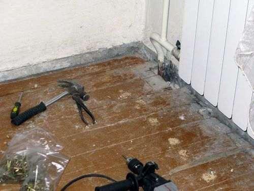 Як закріпити ламінат на підлозі