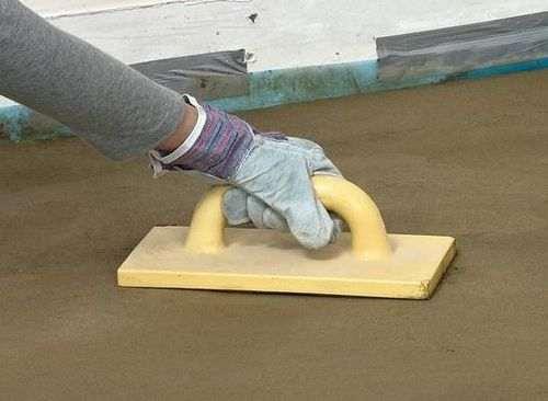 Як зробити тонку цементну стяжку