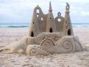 Як зробити замок з піску відео
