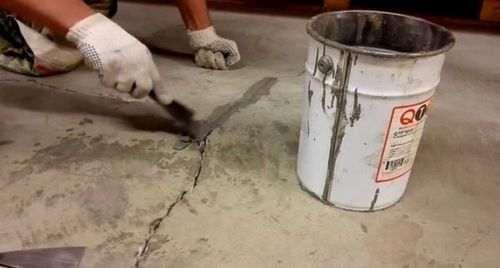 Якщо стяжка підлоги потріскалася