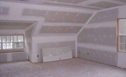 Оздоблення стін дерев'яного будинку гіпсокартоном