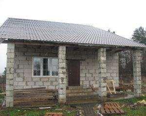 Побудувати дачний будинок з піноблоків