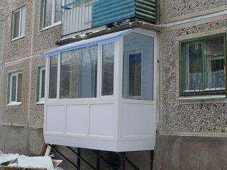 Прилаштувати балкон на 1 поверсі