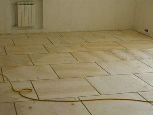 Суха стяжка підлоги мінуси