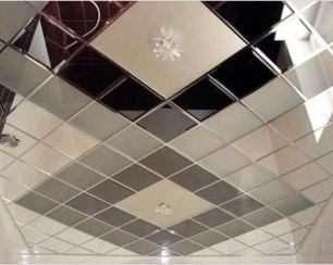 Укладання дзеркальної плитки на стіну