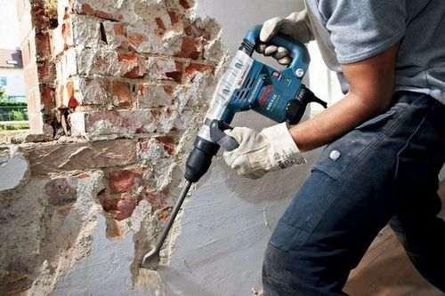 Видалення штукатурки зі стін