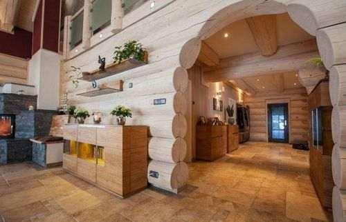 Внутрішнє оздоблення будинків з оциліндрованих колод